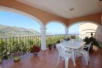 Villa bien mantenida en el paraíso natural de Vall de Laguar - terraza cubierta