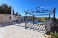 Spacieuse villa avec un confort de vie pur et une vue imprenable sur la mer sur Monte Pego - Pergola