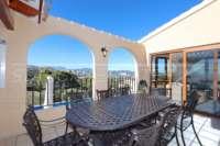Spacieuse villa avec un confort de vie pur et une vue imprenable sur la mer sur Monte Pego - Espace barbecue