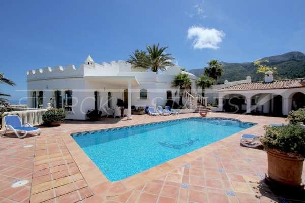 Exklusives Luxusanwesen in bester Wohnlage von Denia mit atemberaubendem Blick, 03700 Dénia (Spanien), Villa