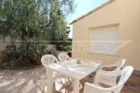 Gepflegte Villa mit Infinity Pool und herrlichem Panoramablick in Orba - Terrasse