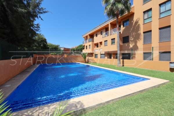 Apartamento espacioso como nuevo y con muchos extras en Pedreguer, 03750 Pedreguer (España), Apartamento dúplex