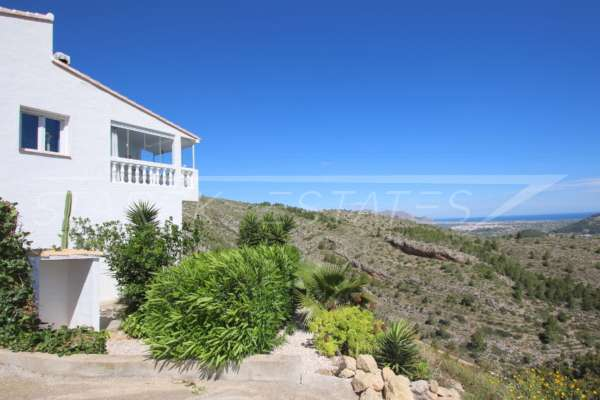 Nouvelle maison mitoyenne dans la meilleure position panoramique sur le Monte Pedreguer, 03750 Pedreguer (Espagne), Maison mitoyenne située en dernière position
