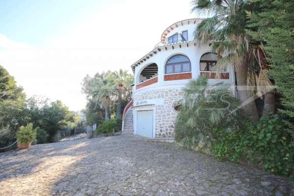 Imponente chalet con vistas al mar y habitación de invitados en Denia – Galeretes, 03700 Denia (España), Villa