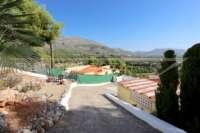 Villa à Orba à faible entretien avec appartement d'invités séparé et vue sur la mer - entrée