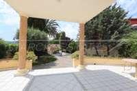 Villa de estilo mediterráneo con piscina en Beniarbeig - Terraza cubierta
