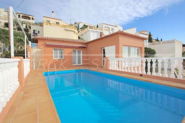 Neuwertige 2 SZ Villa mit herrlichem Bergblick und Ausbaupotential in Sanet y Negrals, 03769 Sanet y Negrals (Spanien), Villa