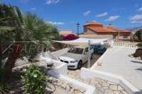 Villa der Extraklasse am Monte Solana in Pedreguer - Überdachter Stellplatz