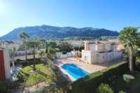 Casa adosada esquinera en una bonita urbanización con impresionantes vistas al Montgó en Denia - Vistas al Montgo