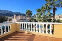 Casa adosada esquinera en una bonita urbanización con impresionantes vistas al Montgó en Denia - Terraza con vistas