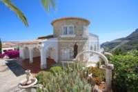 Villa de elegancia clásica con fantásticas vistas panorámicas en Monte Pego - Chalet en Monte Pego