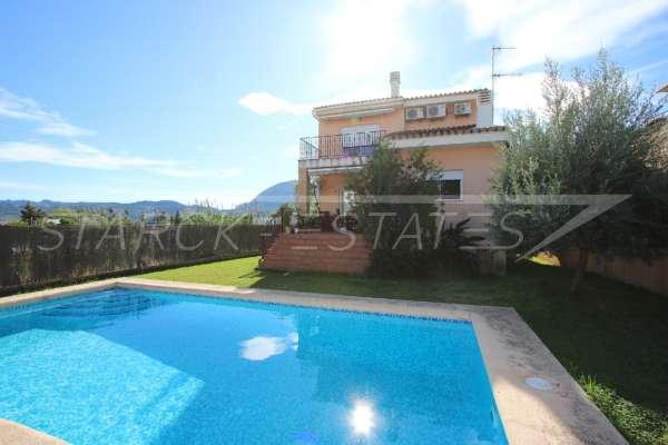 Stadtleben pur in moderner Villa mit herrlichem Blick in die Berge und aufs Meer in Pego, 03780 Pego (Spanien), Villa
