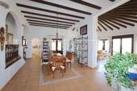 Mediterrane Luxusvilla mit Meerblick am Monte Pego - Wohn-/ Esszimmer