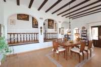 Mediterrane Luxusvilla mit Meerblick am Monte Pego - Essbereich