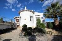 Villa avec piscine, parking, climatisation et terrasses sur un terrain d'angle sur Monte Pego - Maison sur Monte Pego