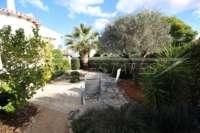 Villa avec piscine, parking, climatisation et terrasses sur un terrain d'angle sur Monte Pego - Terrasse