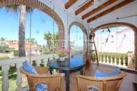 Preciosa villa en perfecto estado en Monte Solana - Terraza acristalada