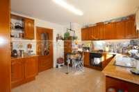 Casa adosada con patio y calefacción por suelo radiante en el corazón de Benidoleig - Cocina