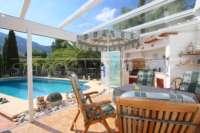Top villa bien entretenue avec spa et de superbes vues panoramiques sur la mer et sur le Monte Pego - Jardin d'hiver