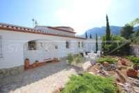 Top villa bien entretenue avec spa et de superbes vues panoramiques sur la mer et sur le Monte Pego - entrée