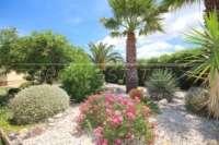 Finca paradisíaca en preciosa ubicación privada con vistas a las montañas en Pedreguer - Jardín ornamental