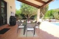 Belle villa de style « campagnard » avec piscine dans un développement exclusif à Javea - Espace extérieur confortable