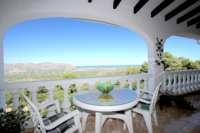Chalet espacioso en zona idílica y privada con fantásticas vistas al mar en Benidoleig - Terraza con vistas
