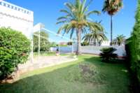 Villa de style rustique sur un grand terrain en bord de mer à Els Poblets - Jardin privé