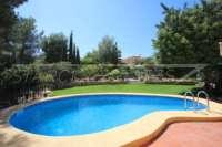 Villa mit Ausbaupotential und herrlichem Blick auf das azurblaue Mittelmeer am Monte Pego - Poolterrasse