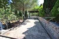 Villa mit Ausbaupotential und herrlichem Blick auf das azurblaue Mittelmeer am Monte Pego - Boccia Bahn