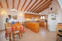 Villa mit Ausbaupotential und herrlichem Blick auf das azurblaue Mittelmeer am Monte Pego - Esszimmer